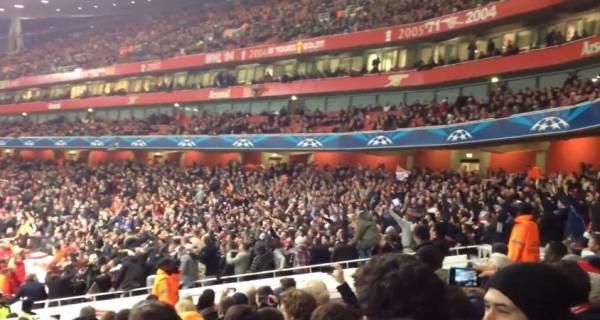 Contre Arsenal, les supporters de Montpellier font semblant d'avoir marqué un but
