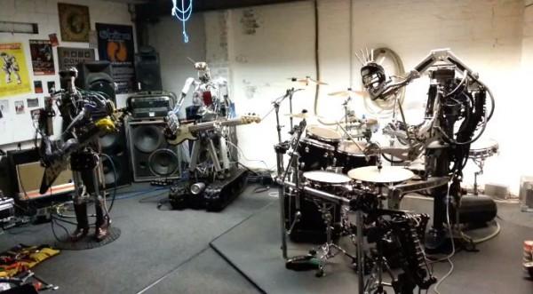 Le groupe de robots qui joue du Motörhead